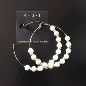 NWT Kenneth Jay Lane pearl gold hoop earrings